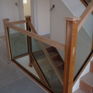 Oak Carpet Grade with glass balustrade, with rubber seal