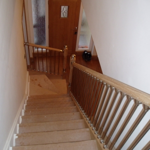 Oak Carpet Grade, with axxys Spindles